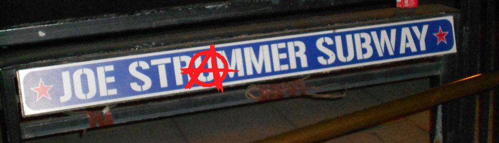 Joe_Strummer_Subway_1 wikipedia CC0 schmal